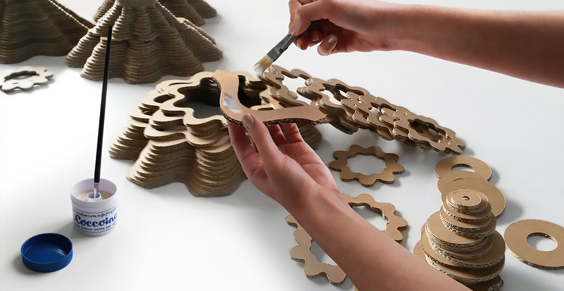 Workshop recycled cardboard | Sustainable design by Antonio Pascale for eetico - Made in Italy