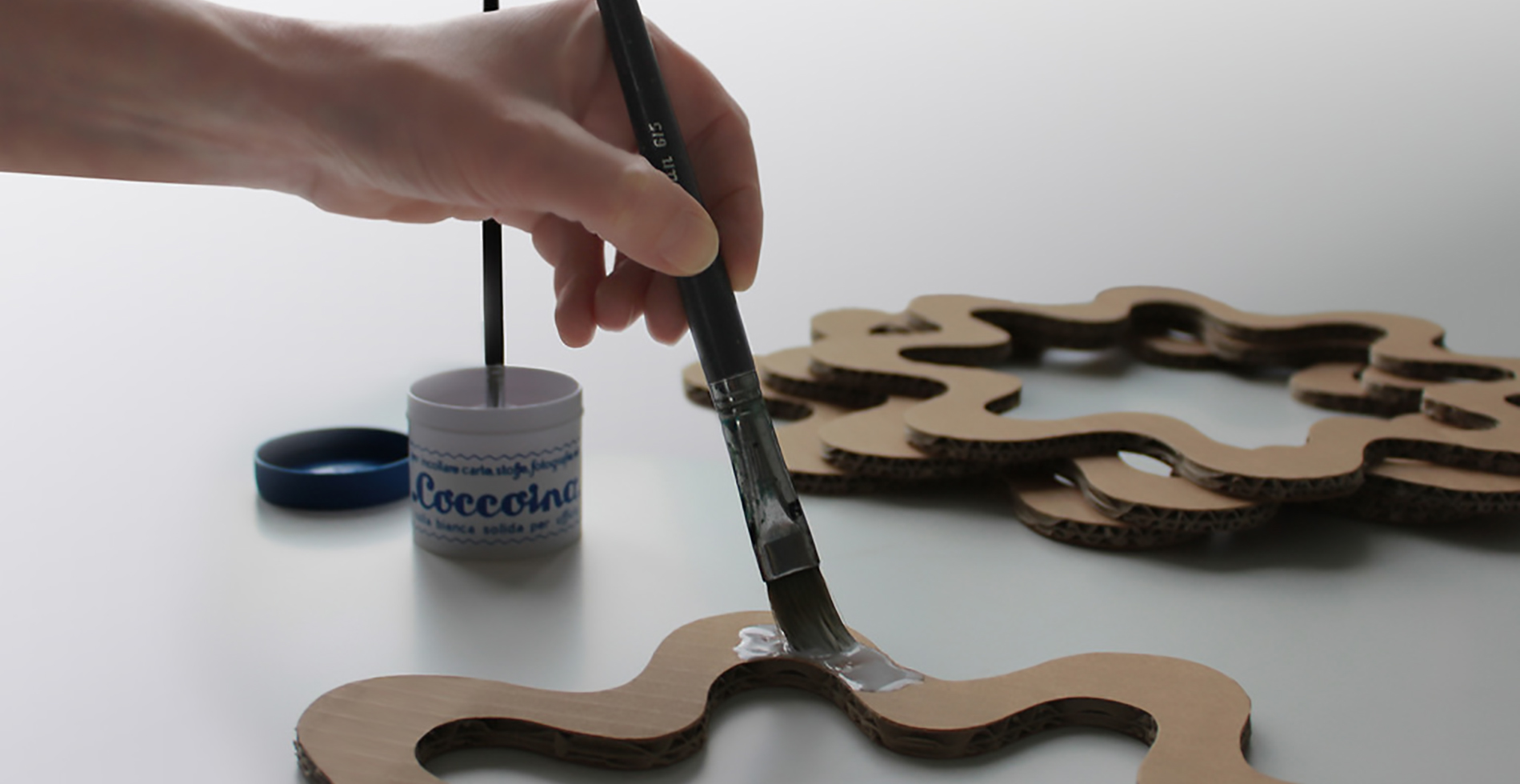 Artisan recycled cardboard | Sustainable design by Antonio Pascale for eetico - Made in Italy